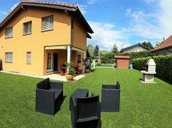 Spacieuse Villa ensoleillée de 5.5 Pièces  + grande pièce de 30m2